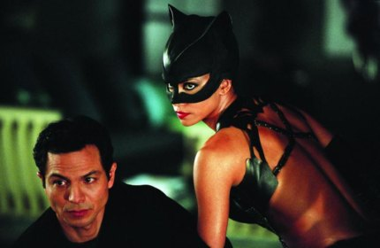 No Merchandising. Editorial Use Only. No Book Cover Usage Mandatory Credit: Photo by Snap Stills/REX/Shutterstock (2147212b) Benjamin Bratt and Halle Berry Catwoman - 2004