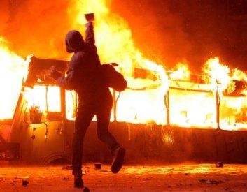 Фото Артема Слипачука 20.01.14 ЕвроМайдан. Столкновения на ул.Грушевского